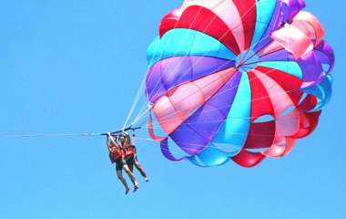 Experience the feeling of flying on the beach of Da Nang.