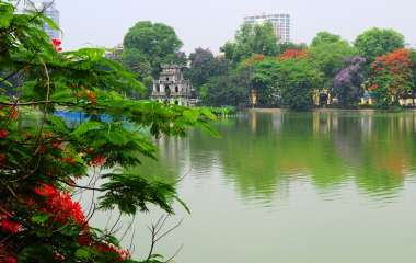 When is the best time to visit Ha Noi?